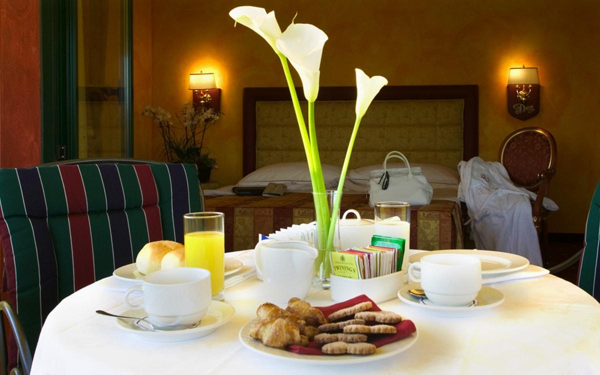 Hotel a Pavia Del Duca***