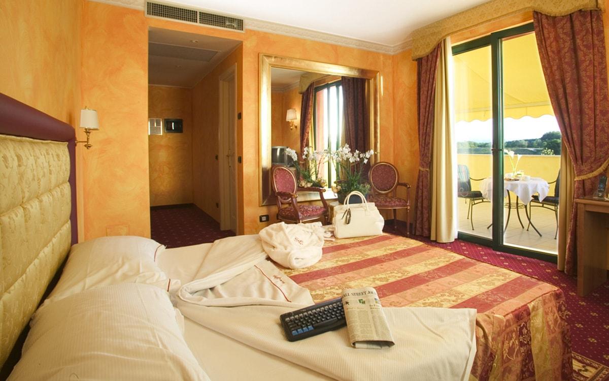Hotel con vasca idromassaggio in camera - Hotel Pavia Del Duca***